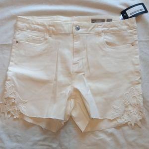 Vero Moda cream shorts
